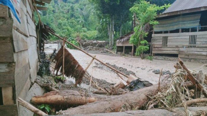 Hujan Lebat Guyur Tabulahan Mamasa, Sejumlah Rumah Diterjang Banjir