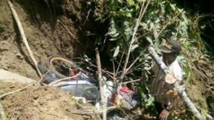 BREAKING NEWS: Akses Jalan ke Desa Lenggo Polman Terputus, Warga Terancam Kelaparan