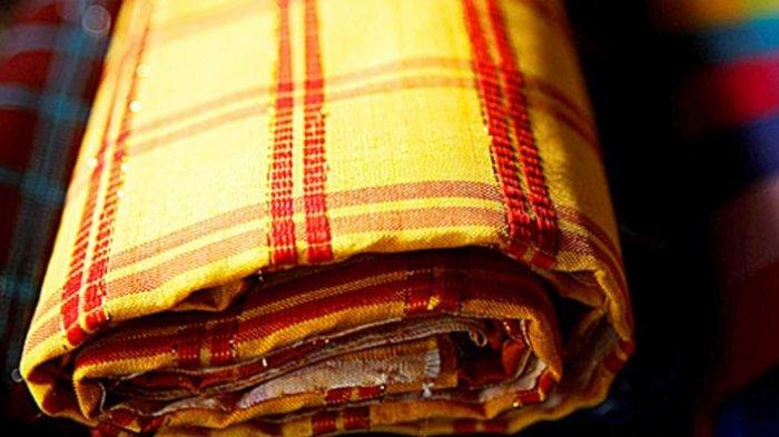 Mengulik Keindahan Sarung Tenun Mandar, Warisan Budaya Turun-temurun yang Tak Lekang Ditelan Zaman