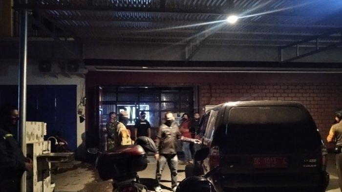 Camat Polewali Bersama Satpol PP Razia Big Resto & Cafe Akibat Abai Prokes dan Jual Miras