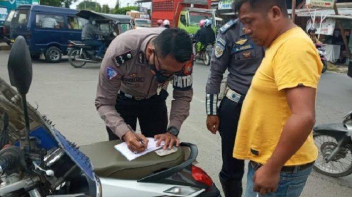 Operasi Patuh Manakarra 2021, Pengendara Motor Tidak Pakai Helm SNI Bakal Ditilang