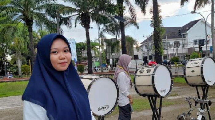 Tak Ada Gedung Kesenian, Marching Band Mamuju Latihan di Lapangan Ahmad Kirang