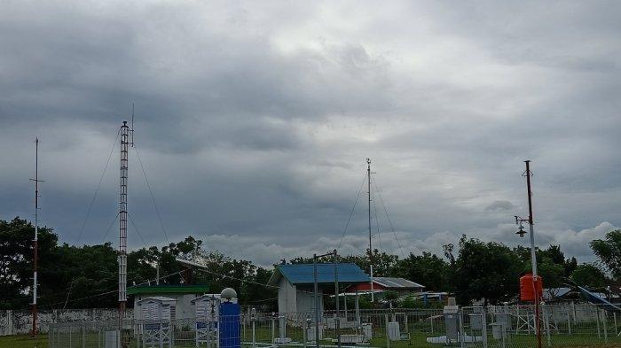 WASPADA! Polman, Mamuju dan Mamasa Berpotensi Diguyur Hujan Lebat & Angin Kencang Besok