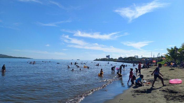 Suasana Pantai Manakarra Mamuju