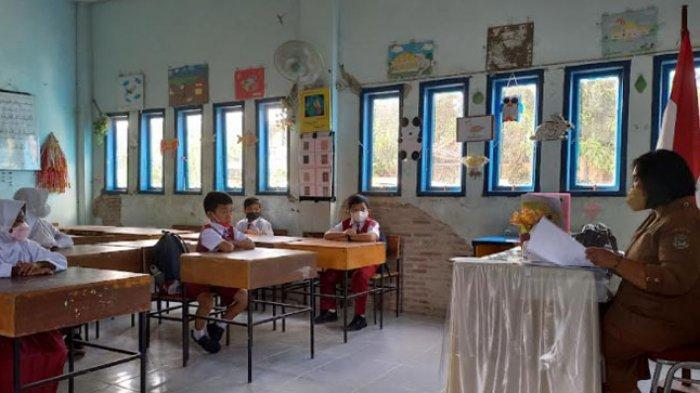 Pembelajaran Tatap Muka Terbatas SD Inpres Rimuku Mamuju, Satu Kelompok 15 Siswa