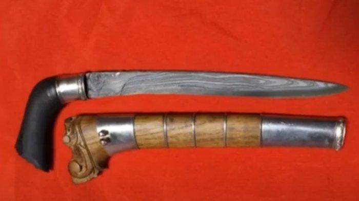 Ini Senjata-senjata Tradisional Sulawesi Barat, Salah Satunya Jambia