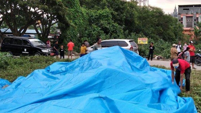 TPA Ditutup, Tumpukan Sampah di Pasar Wonomulyo Dibungkus Terpal Agar Tidak Menimbulkan Bau