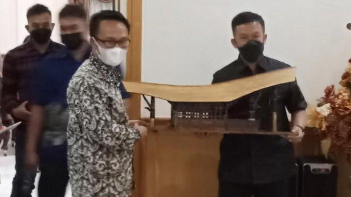 Marthinus Tiranda ke Pangdam XIV Hasanuddin: Melintas di Mamasa Seperti Berjoget Tanpa Musik