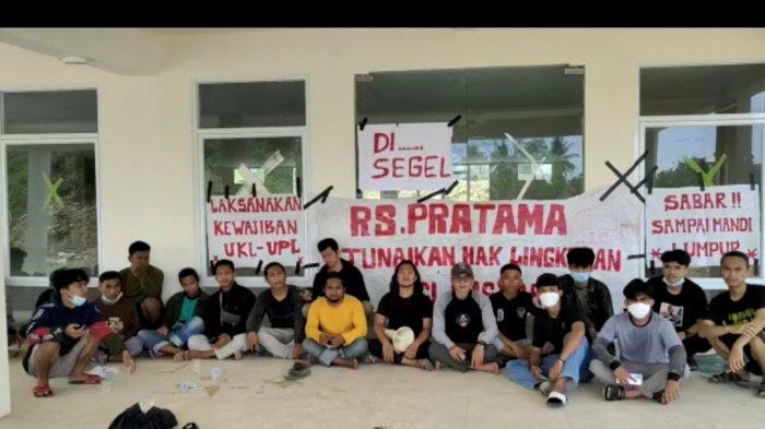Warga Salutambung Segel RS Pratama Majene, Tuntut Perbaikan Sanitasi