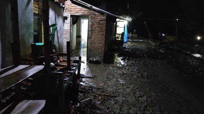 Warga Pambusuang Polman Kebanjiran, Kadus: Kami Tidak Menyangka Akan Begini