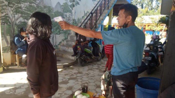 SMPN 1 Mamasa Perketat Prokes, Sambut Calon Siswa Baru di Masa New Normal