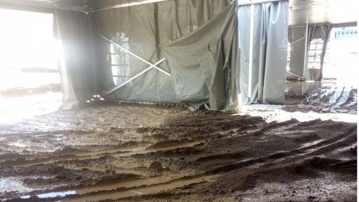 penampakan tenda darurat RSUD Regional Sulbar usai pembongkaran paving blok