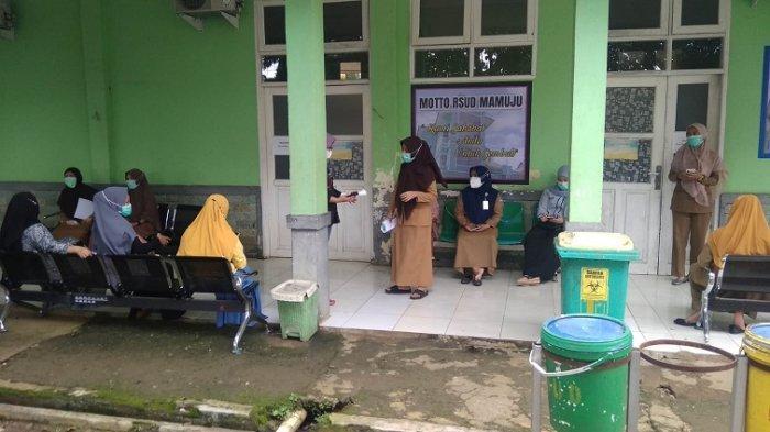FOTO: Perawat & Bidan Suka Rela RSUD Mamuju Mogok Kerja