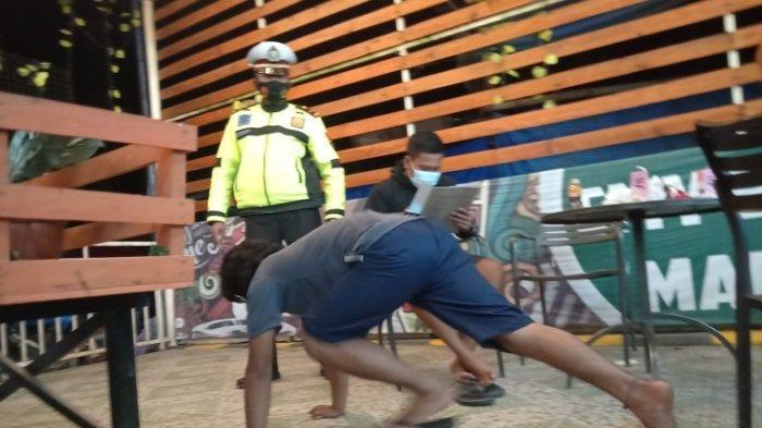 salah satu pemuda di Mamasa kena sanksi push up