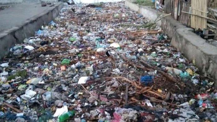 Kepala BPBD Polman Sebut Banjir di Pambusuang Disebabkan Tumpukan Sampah