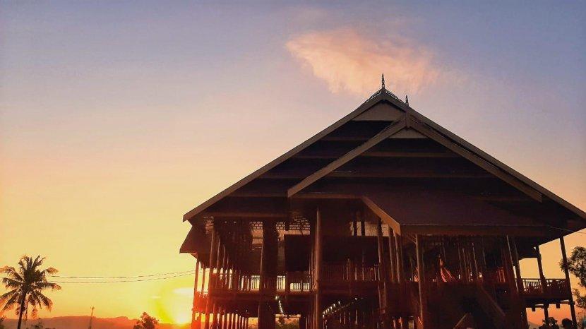 Taman-Budaya-Buttu-Cipping-di-Kecamatan-Tinambung-Polman-Sulbar.jpg
