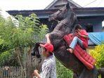 Abdul-Latief-pelatih-kuda-menari-di-Polman.jpg