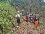 Akses-jalan-poros-yang-menghubungkan-kecamatan-Matangnga-dan-Bulo-sempat-terputus-karena-longsor.jpg