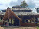 Cafe-Sapo-Loko-di-Buki-Uhai-Sibali-yang-menawarkan-suasaba-tradisional.jpg