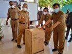 Gubernur-Sulbar-Ali-Baal-Masdar-bantuan-mesin-oxygen-concentrator.jpg