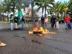 HMI-Cabang-Manakarra-unjuk-rasa-di-Jl-Ahmad-Kirang-Mamuju-Jumat-8102021.jpg