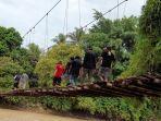 Jembatan-gantung-Dusun-Kasso.jpg
