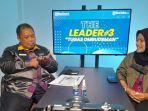 Kepala-Ombudsman-Sulbar-Lukman-Umar-saat-mengikuti-diskus-The-Leader.jpg