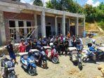 Komunitas-Kurir-Mamuju-salurkan-bantuan-pembangunan-masjid.jpg
