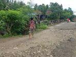 Kondisi-Jembatan-Sungai-Desa-Tallambalao-Kecamatan-Tammerodo-Sendana.jpg