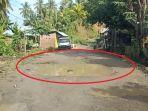 Kondisi-jalan-poros-Desa-Tallambalao-Majene-rusak-parah.jpg