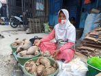 Masnawati-43-Pedagang-Gulan-Aren-di-Pasar-Sentral-Majene.jpg