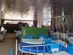 Paving-block-di-tenda-darurat-yang-difungsikan-sebagai-ruang-perawatan.jpg