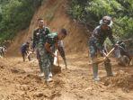 Pelebaran-jalan-penghubung-Desa-Banea-oleh-TNI-Polri-dan-masyarakat.jpg