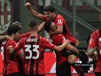 Pemain-depan-AC-Milan-Prancis-Olivier-Giroud-merayakan-dengan-gelandang-AC-Milan-Spanyol-Brahim-Diaz.jpg