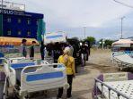 Pembongkaran-Peralatan-RSUD-Regional-Sulbar-di-Tenda-Perawatan-Darurat.jpg