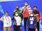 Penganugerahan-medali-cabang-olahraga-renang-nomor-200-meter-gaya-dada.jpg