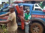 Penyaluran-bantuan-korban-bencana-di-Burana-Kecamatan-Tabulahan.jpg