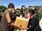 Penyerahan-paket-sembako-kepada-masyarakat-di-Makodim-Mamasa-oleh-Wakil-Bupati-Martinus-Tiranda.jpg