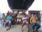 Ratusan-Nelayan-Mamuju-berembuk-di-posko-nelayan.jpg