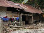 Rumah-warga-di-Desa-Burana-Kecamatan-Tabulahan-Mamasa-diterjang-banjir.jpg