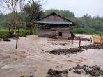 Rumah-warga-diterjang-banjir-di-Desa-Burana-Mamasa.jpg