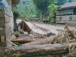 Rumah-warga-terdampak-banjir-bandang-di-Desa-Burana-Kecamatan-Tabulahan-Kabupaten-Mamasa-Sulbar.jpg