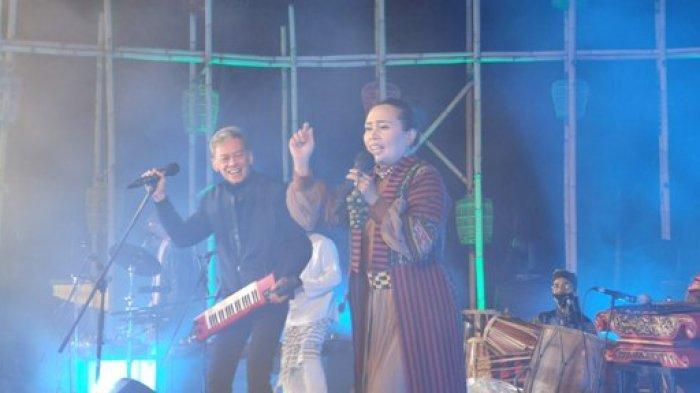 Ring Of Fire Featuring Fariz RM Bawakan Tembang Lawas Ajang Nostalgia di Jazz Gunung 2021