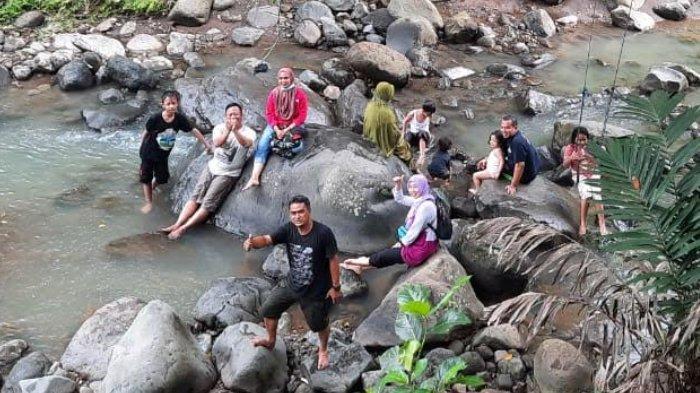 Segarnya Adus Kali di Bukit Mbolang Trawas Mojokerto