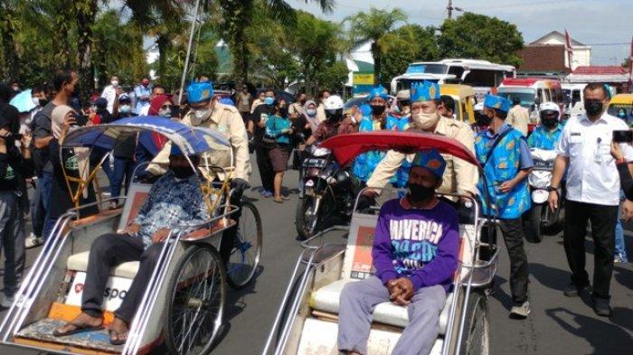 Jalan Jalan Keliling Kota Jember Pakai Saja Angkutan Wisata