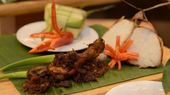 Hidangan Lebaran Berbahan Kurma ala Santika Pandegiling Surabaya, Ada Ketupat Opor dan Ayam Lengkuas