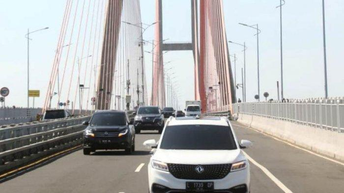 Serunya Jajal Mobil Terbaru DFSK Glory i-Auto Ke Pulau Madura  Fitur Cerdas i-Talk Jadi andalan