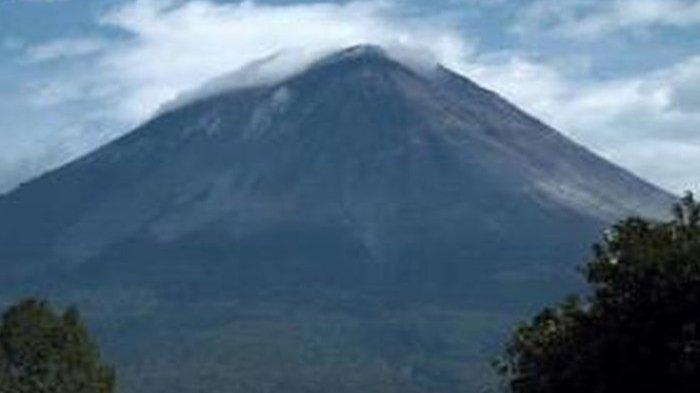Aktivitas Vulkanik Kembali Meningkat, Pendakian Gunung Semeru Kembali Ditutup Sementara