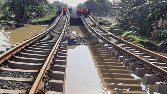 Setelah Dua Hari Lumpuh, Jalur KA Surabaya - Jakarta Normal Kembali