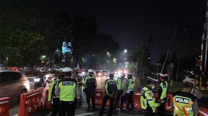 Kota Sidoarjo Berlakukan Kembali Jam Malam Petugas Jaga Ketat Perbatasan Kota